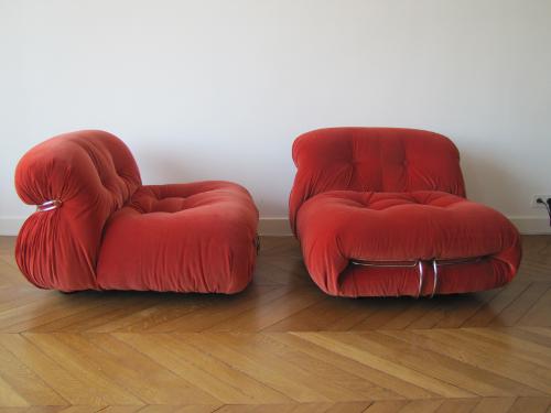 Paire de chauffeuses, design Tobia Scarpa, modèle Soriana- velours orange