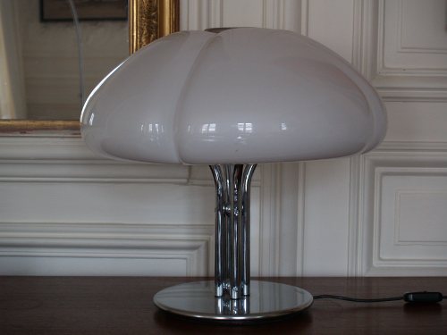 Gae-Aulenti-lampe-poser-blanche-Gimp-2.jpg